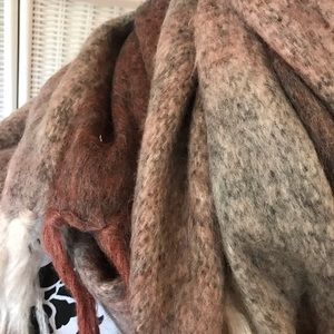 Lucky Brand Accessories - BLUE GRAY LUCKY BRAND WOOL BLEND SCARF NWOT